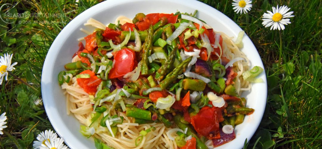 Spaghettini mit grünen Spargelspitzen & Tomaten